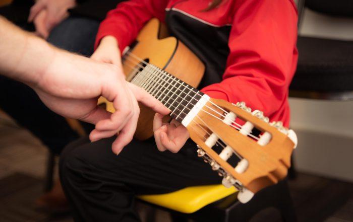 Gitarre für die Kinder der Welt