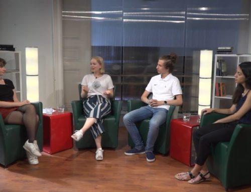 Junge Freiwillige in Talkshow des Offenen Kanals